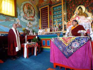 4-HH_Lama-Dorje_inside-Stupa