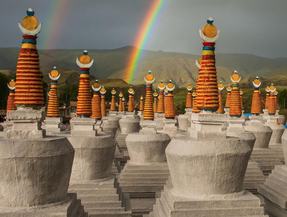 Stupas-Rainbow